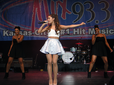 05.July - Performing at Mix 93.3's Red White & Boom show, concerto in Kansas City, Missouri