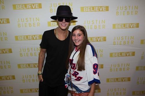 07.02.13 Justin Arrives At His Hotel In Oklahoma City+ bila mpangilio