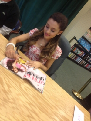 08.July - Seventeen Signing at Barnes and Noble in Glendale, California