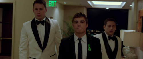 Dave Franco fond d'écran containing a business suit and a suit entitled 21 Jump rue (2012)