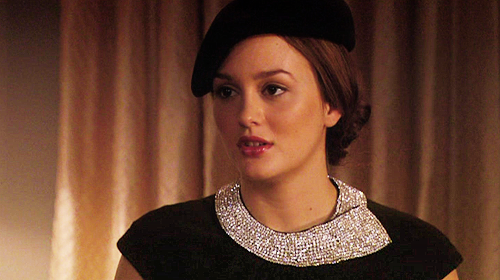 Blair Waldorf wallpaper probably containing a dashiki titled Blair <3