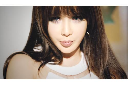 Bom - Falling In Love MV ~♥
