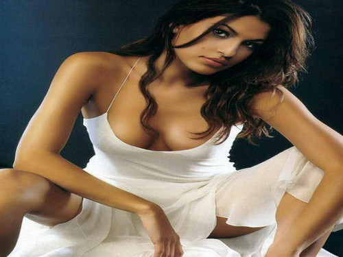 eva mendes wallpaper possibly containing a bustier, attractiveness, and a chemise called Eva