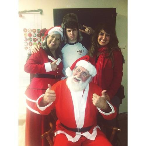 Jc, Momma Caylen, Gramma Caylen, & Gpa Caylen Weihnachten 2012