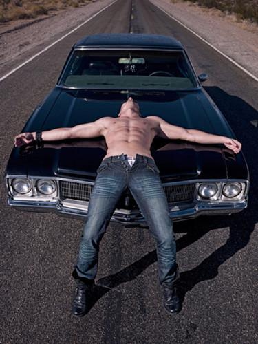 Jensen Shirtless!!