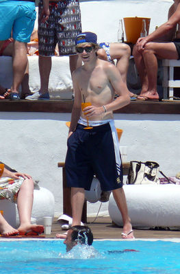 July 7th - Niall Horan At Ocean 海滩 Club In Marbella, Spain