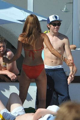 July 7th - Niall Horan At Ocean ساحل سمندر, بیچ Club In Marbella, Spain