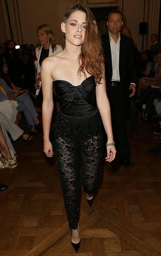Kristen at the Zuhair Murad fashion 显示 in Paris,France on July 4,2013