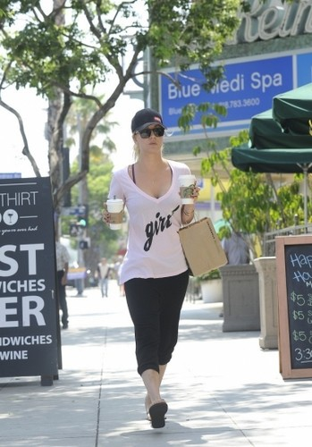 Leaving starbucks in Sherman Oaks