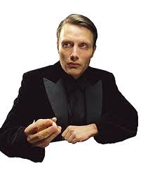 "Мадс Миккельсен Обои with a business suit entitled ""Le Chiffre"""
