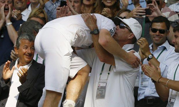 Murray embrace with Lendl after won Wimbledon