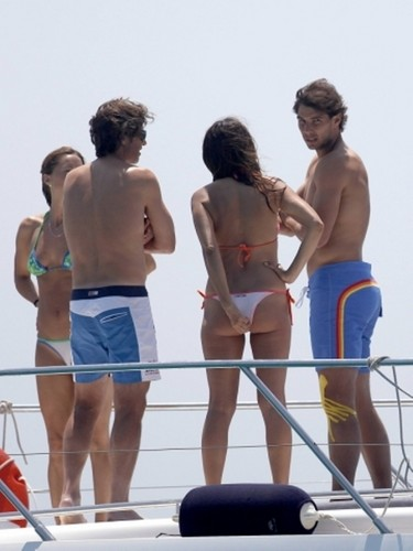 Nadal and hot girl with sexy culo !