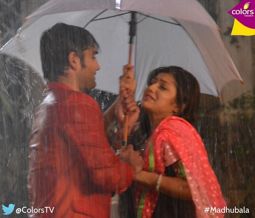 Madhubala- ek ishq ek junoon wallpaper with a parasol called RishBala