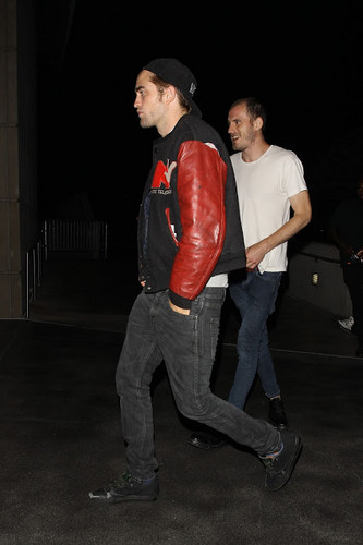 Rob in L.A.July 1,2013 - robert-pattinson-and-kristen-stewart Photo