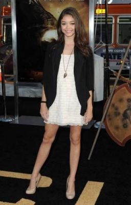 Sarah Hyland in 2010