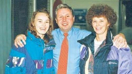 young Martina Hingis and mother..