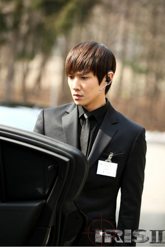 MBLAQ fondo de pantalla with a business suit, a suit, and a three piece suit called ♦ Lee Joon ♦
