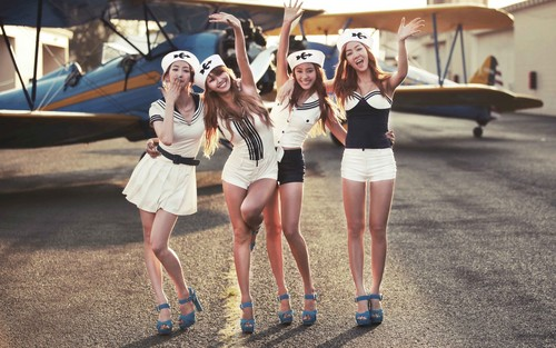 SISTAR (씨스타) wallpaper probably with a hip boot titled ★ SISTAR ☆