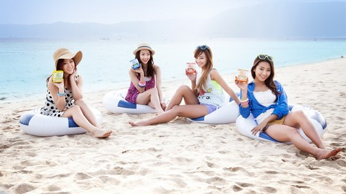 SISTAR (씨스타) wallpaper containing a bikini called ★ SISTAR ☆