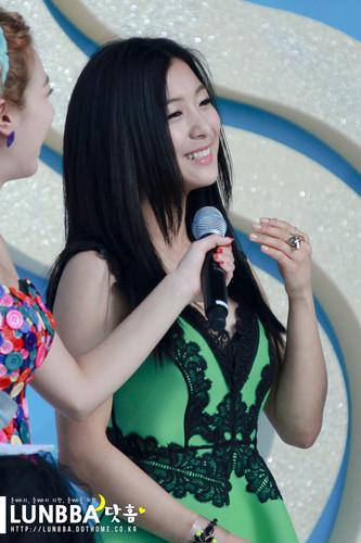 Luna ~ Electric Shock - F(x) Photo (31124422) - Fanpop F(x) Luna Electric Shock Hair