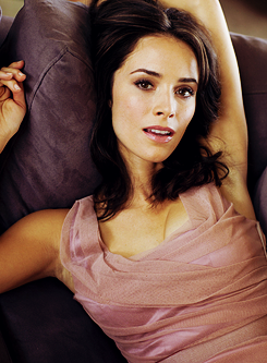 Abigail Spencer photographed bởi Andrew Stiles