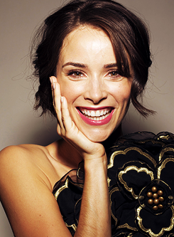 Abigail Spencer photographed سے طرف کی Andrew Stiles
