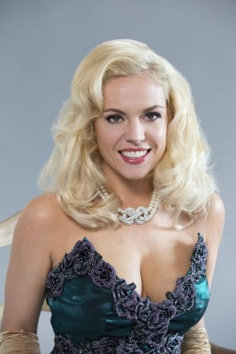 Agnes Bruckner as anna nicole smith