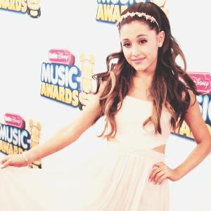 Ariana Icons <33