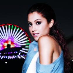 Ariana شبیہیں :) x