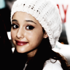 Ariana icone :) x