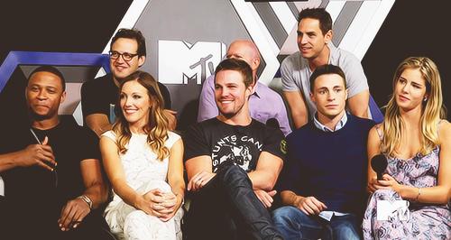 Arrow's cast for 엠티비 interview