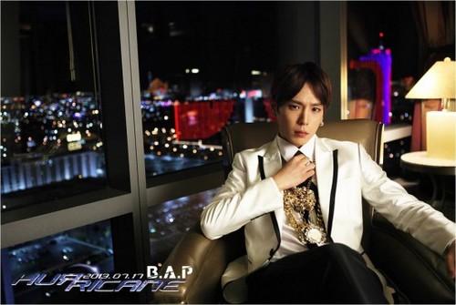"B.A.P Himchan's Teaser Foto For ""Hurricane"""