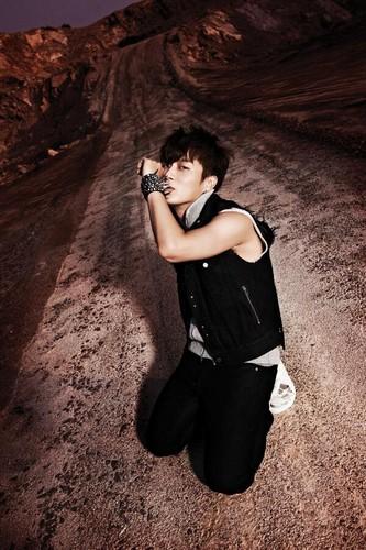 """B2ST Doojoon Photo Teaser For """"Shadow"""""""
