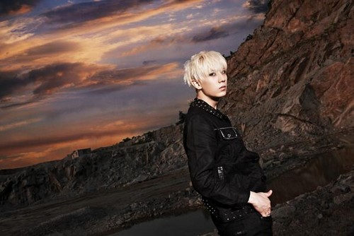 "B2ST Hyunseung 照片 Teaser For ""Shadow"""