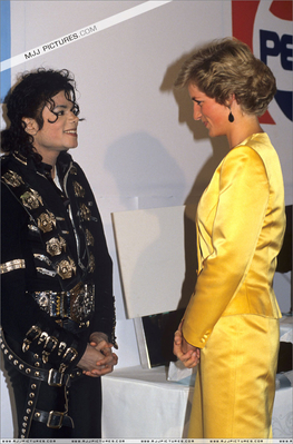 Công nương Diana hình nền containing a well dressed person and dress blues entitled Backstage With Michael Jackson Back In 1988