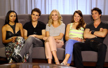 Candice Accola দেওয়ালপত্র entitled Candice and TVD cast - TV Line Interview at Comic Con 2013