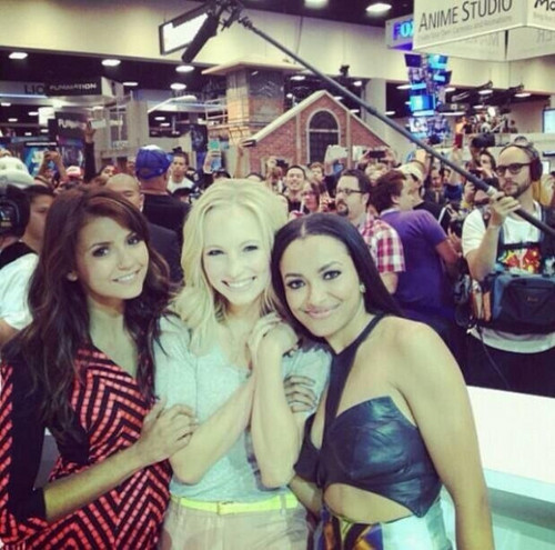 Candice at Comic Con 2013 - Booth Signing