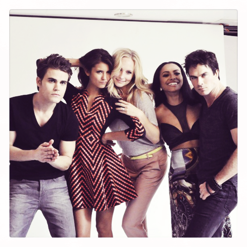 Candice with TVD Cast at Comci Con 2013