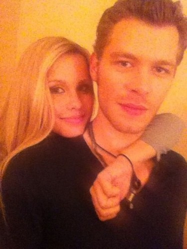 Claire Holt and Joseph 摩根
