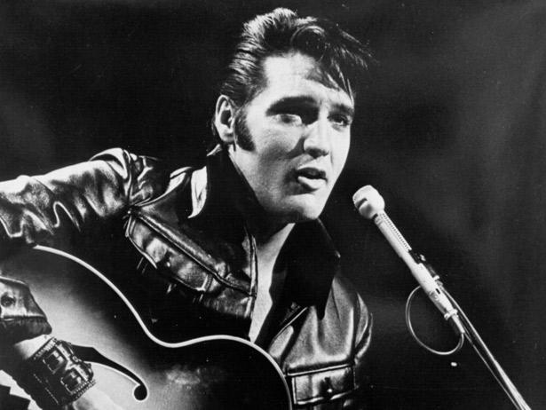 """Un 16 de Agosto nació #ElvisPresley  lo que no sabías del """"Rey"""""""