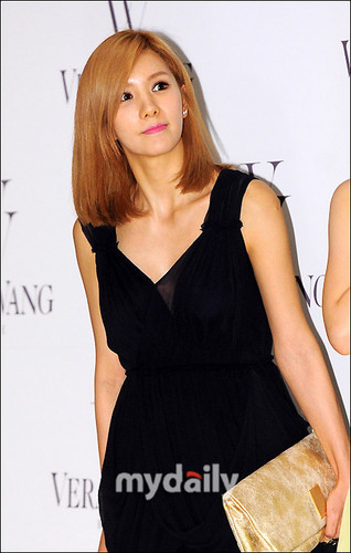FLICKS 130716 JungAh & Juyeon at 'Fall 2013 Bfidal Collection' Fashion tampil