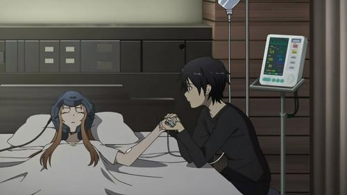 He's holding her hand! *scream* ^_^