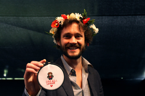 Hugh Dancy wallpaper containing a bouquet called Hugh Dancy