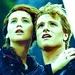 Jennifer and Josh as Katniss and Peeta - jennifer-lawrence-and-josh-hutcherson icon