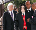 Johnnie Cocahran's Funeral Back In 2005 - michael-jackson photo