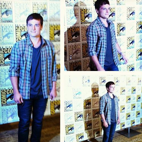 Josh arrives at Comic Con