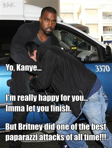 Kanye West attacks paparazzi!