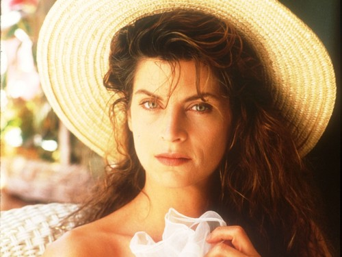 Kirstie Alley wallpaper containing a snap brim hat, a campaign hat, and a boater called Kirstie Alley