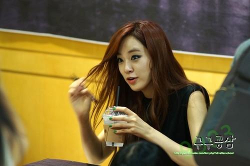 Lee Joo Yeon (After School) - First প্রণয় অনুরাগী Signing Event Pics