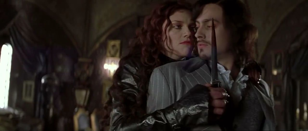 mina harker a strong character essay Overview: mina, the fiancée of jonathan harker and best friend of dracula's first victim, lucy, is the most complex character in the novel.